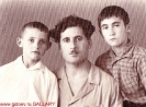 С дядей Дмитрием и братом Махаром